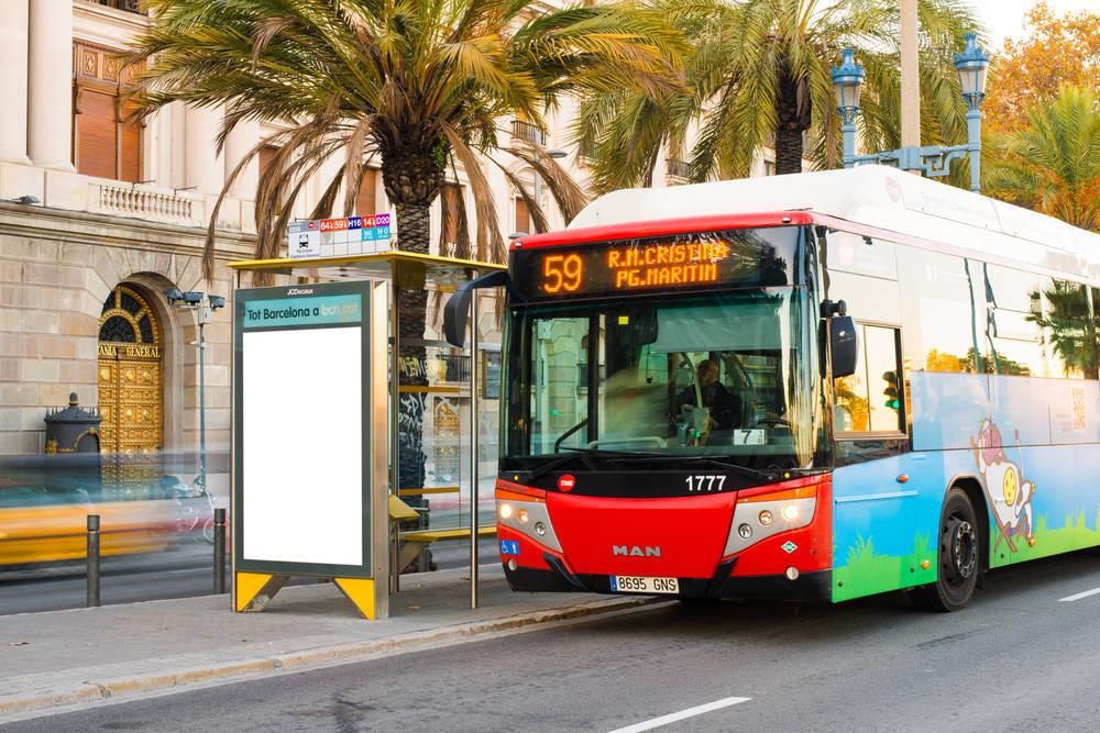 ¿Y por qué no optas por la publicidad en los autobuses?